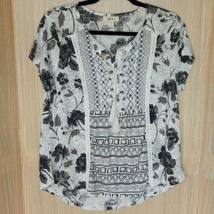 Style & Co petite boho style t-shirt. Size Large